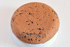 Пирог готов. Готовый пирог остудить на чаше для варки на пару.