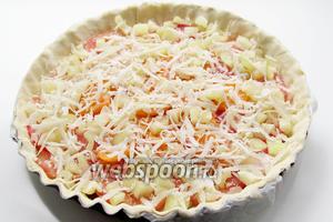 И сыром Пармезан. Выпекать пирог около 40 минут, при 180°C (у меня духовка электрическая). Остудить в форме.