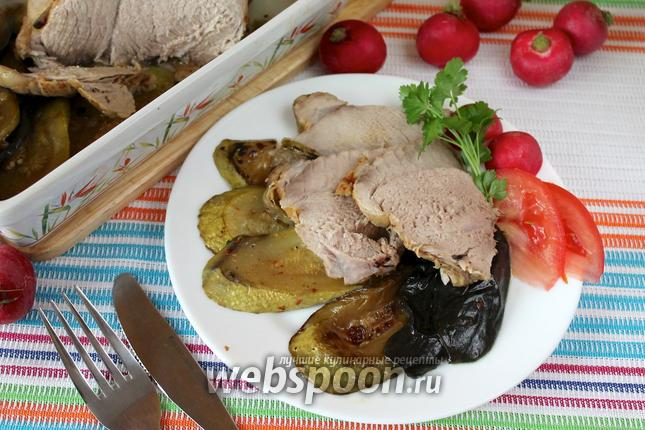 Фото Свинина с овощами в духовке