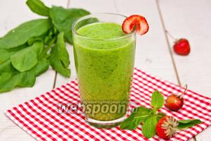 Зелёный коктейль со шпинатом и ананасом