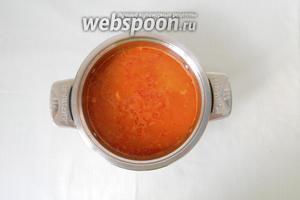 Вливаем воду или бульон и варим до готовности крупы. Если суп вам покажется густым, долейте ещё воды.