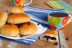 Пирожки с черникой печёные