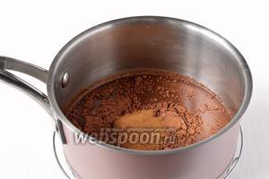 Соединить воду, какао и растворимый кофе. Довести до кипения. Остудить.