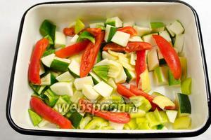 Выложить овощи в удобный судок.