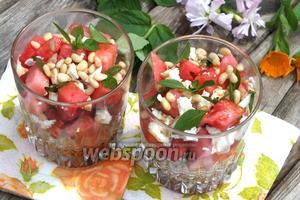 Греческий салат с арбузом и фетой