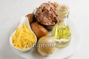 Чтобы приготовить котлеты в духовке, нужно взять готовый мясной фарш (любой), картофель, лук, сыр, яйцо, масло подсолнечное, панировочные сухари, соль, перец.