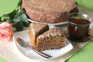 Торт «Медовик» ореховый
