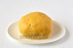 Песочное тесто с сыром готово.