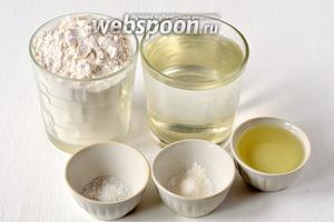 Для приготовления чуррос нам понадобится мука, вода, соль, разрыхлитель, подсолнечное масло.