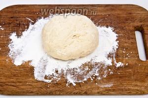 Оставить тесто на 30 минут, накрыв полотенцем.