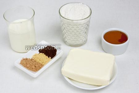 Для приготовления пряничного домика понадобится пшеничная мука, сливочное масло, сода, гвоздика, корица, имбирь, сахар, молоко, мёд, вода и лимонная кислота (для карамели),  мастика белая и шоколадная .