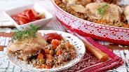 Фото рецепта Гречневая каша с курицей и овощами под фольгой
