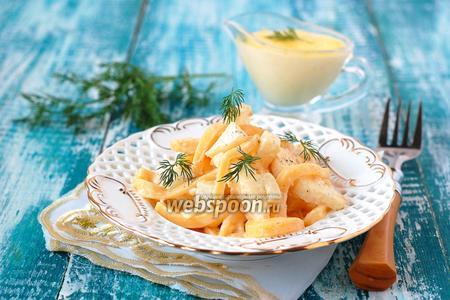 Салат из варёного сельдерея, сыра и яблок