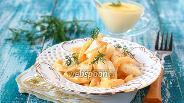 Фото рецепта Салат из варёного сельдерея, сыра и яблок