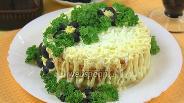 Фото рецепта Салат с горбушей горячего копчения