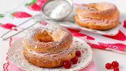 Фото рецепта Заварное кольцо с розовым творожным кремом