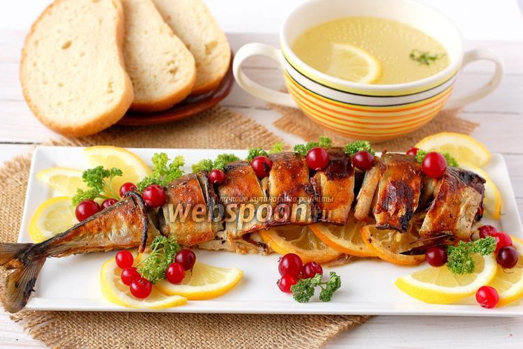 Фото Скумбрия запечённая с луком и лимоном