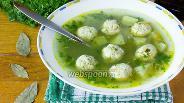 Фото рецепта Суп с куриными фрикадельками и шпинатом