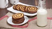 Фото рецепта Кофейно-шоколадное печенье «Зебра»