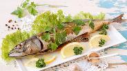 Фото рецепта Скумбрия запечённая с чесноком и петрушкой