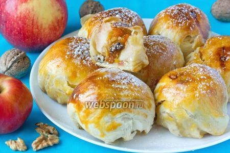 Сладкие фаршированные яблоки, запечённые в слоёном тесте