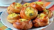 Фото рецепта Булочки-розочки с сырной начинкой