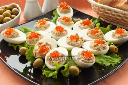 Яйца с рыбным паштетом