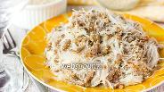 Фото рецепта Рисовая лапша со свиным фаршем и кунжутом