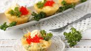 Фото рецепта Маффины с сыром и петрушкой в микроволновке