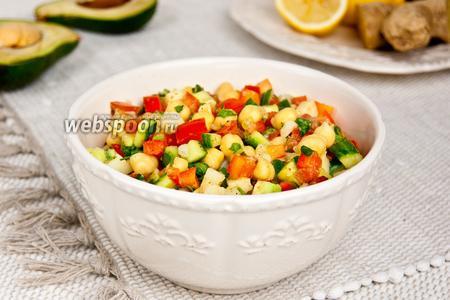 Салат из нута и овощей