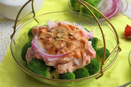 Салат с брокколи и рыбой