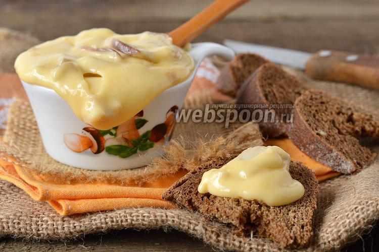 Фото Мягкий плавленый сыр с грибами