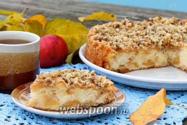 Фото Яблочный пирог с грильяжем