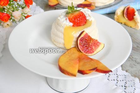 Пирожное безе с лимонным курдом