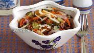 Фото рецепта Салат из морской капусты с овощами