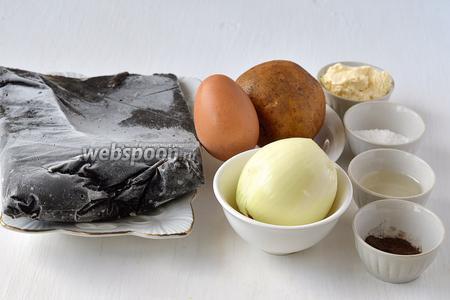 Для приготовления драников с грибами нам понадобятся замороженные лесные грибы, яйцо, картофель, сметана, лук, соль, перец, подсолнечное масло.