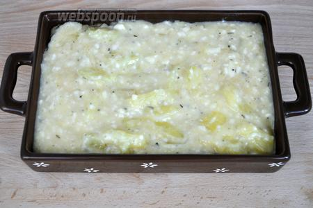 Переложить смесь в керамическую форму, смазанную маслом. Запекать в духовке при 180°C 35-40 минут. Время зависит от размера формы. Из указанного количества получается 2,5 формы размером 14x21 см.