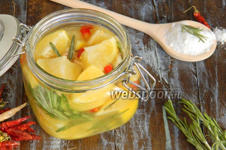 Фото Солёные лимоны с острым перцем