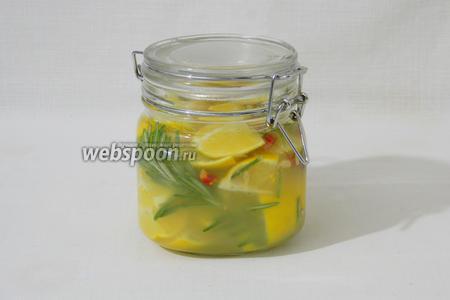 Заливаем всё свежевыжатым соком лимона и держим в холодильнике минимум 3 дня. Через 3 дня можно использовать по назначению.