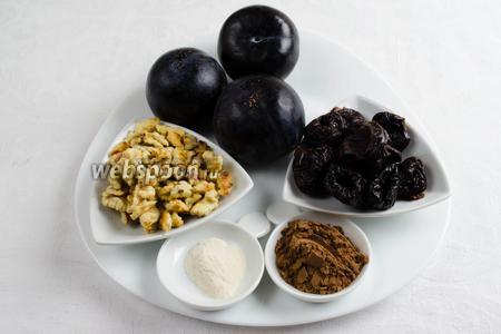 Чтобы приготовить десерт, нужно взять сливы, агар-агар, воду, сахар; чернослив, орехи, какао.