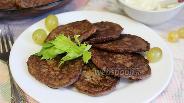 Фото рецепта Оладьи из куриной печени с зеленью