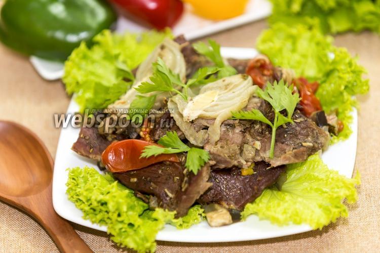 Фото Мясо страуса с овощами