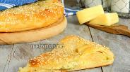 Фото рецепта Творожная лепёшка с сыром
