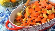 Фото рецепта Цимес из моркови, яблок и изюма