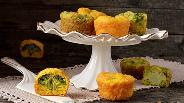 Фото рецепта Закусочные кексы с брокколи и цветной капустой