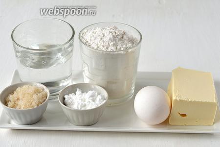 Для приготовления хрустящих вафель на сливочном масле нам понадобится сливочное масло, яйца, мука, крахмал, сахар, тёплая вода.