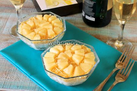 Салат с грибами и ананасами