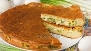 Фото рецепта Заливной пирог с зелёным луком и яйцом