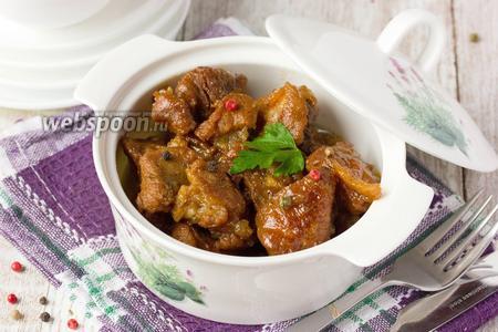 Свинина тушёная в медовом соусе