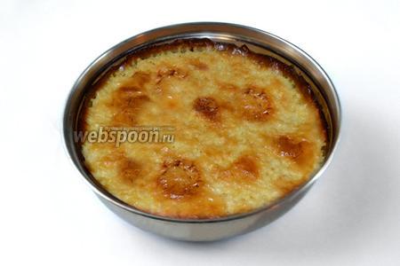 Готовый пшённик имеет вид румяного плотного пирога, но в горячем виде консистенция очень нежная, напоминающая густой крем. При подаче можно добавить ещё масла, а ещё вкуснее есть, запивая молоком. Холодный пшённик также хорош с молоком, но уже как крупяной пирог.